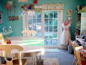 Fabulous-Adorable-Great-Sewing-Room-Design-Idea-With-Calming-Blue-Wall-Paint
